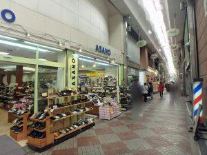 桃谷商店街 靴屋